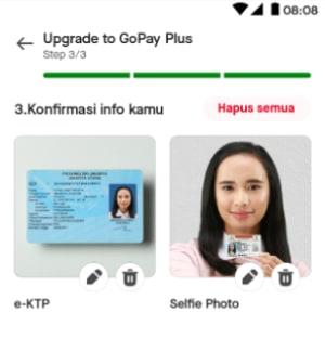 Selfie dengan e-KTP atau paspor kamu