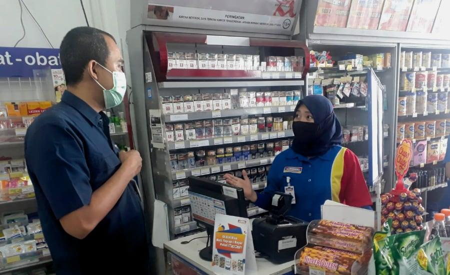 Isi saldo untuk Grab Driver juga bisa dilakukan di minimarket seperti Indomaret atau Alfamart.